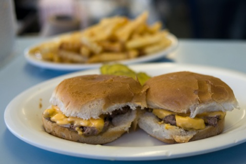 pic courtesy of Serious Eats and A Hamburger Today